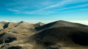 Capturing Agios Antonios summit/2815m
